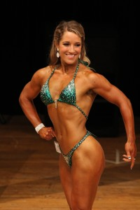 2015 Mass Muscle Classic Pro / Am II: Erika Furtado